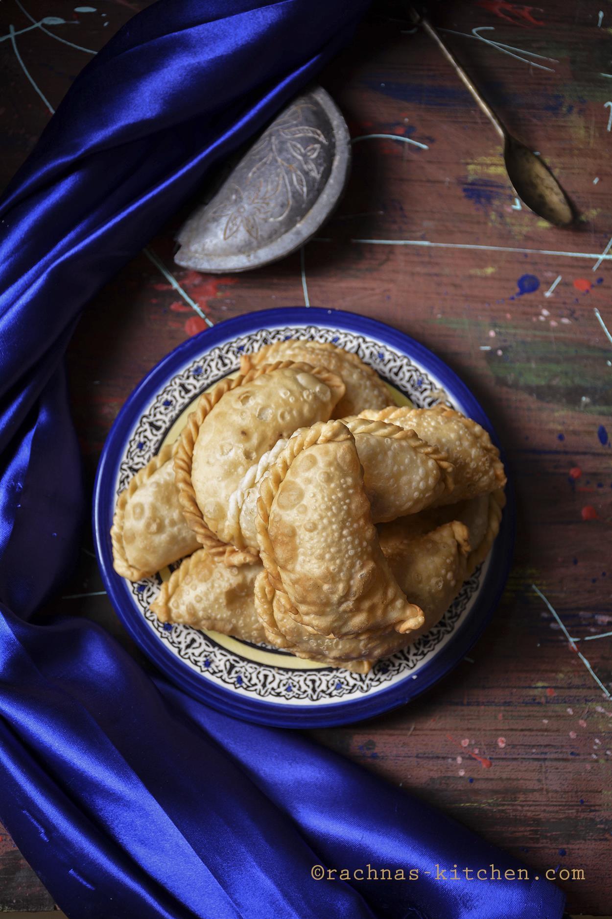 Gujiya Recipe, Karanji Recipe | Baked & Fried Gujiya